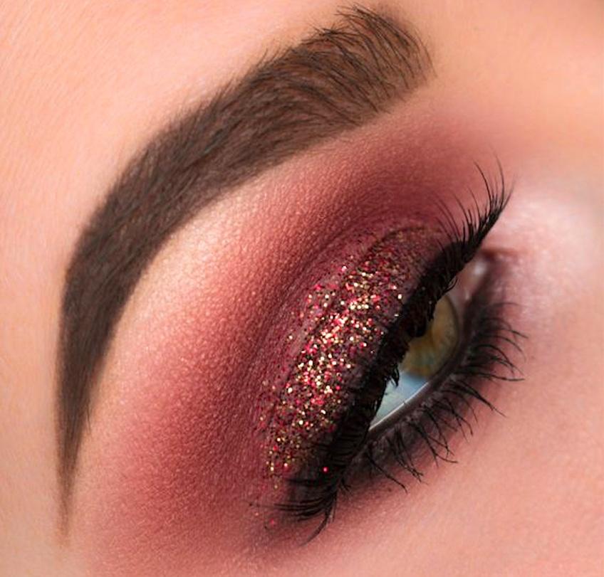 Le burgundy, la couleur ultra-tendance pour un make-up automnal