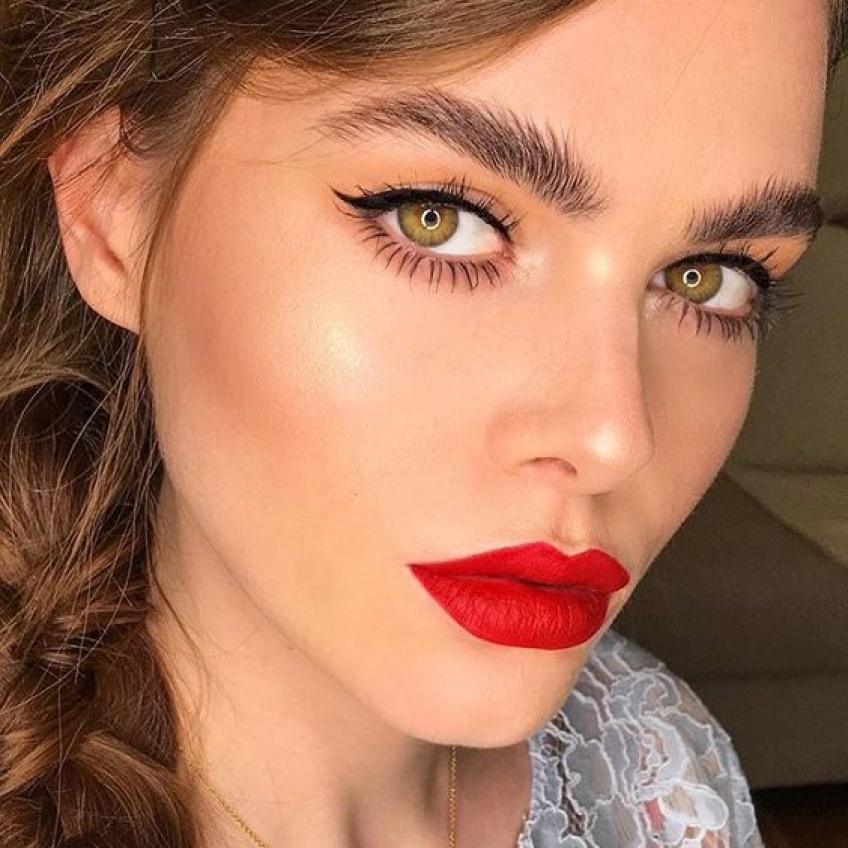 Quel maquillage assortir avec un rouge à lèvres rouge ?