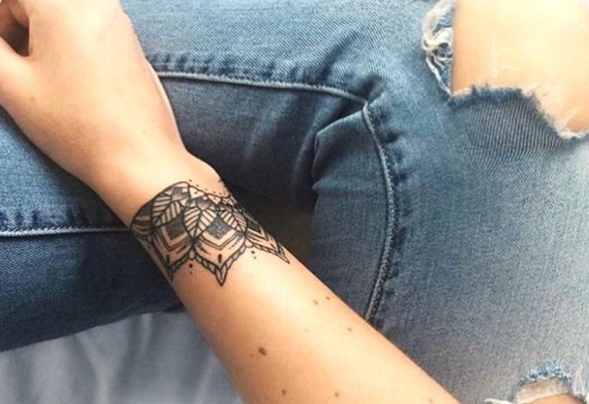 Le tatouage dentelle pour sublimer et habiller la peau