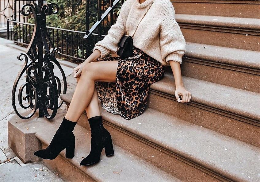 Les jupes mi-longues les plus jolies à porter de jour comme de nuit