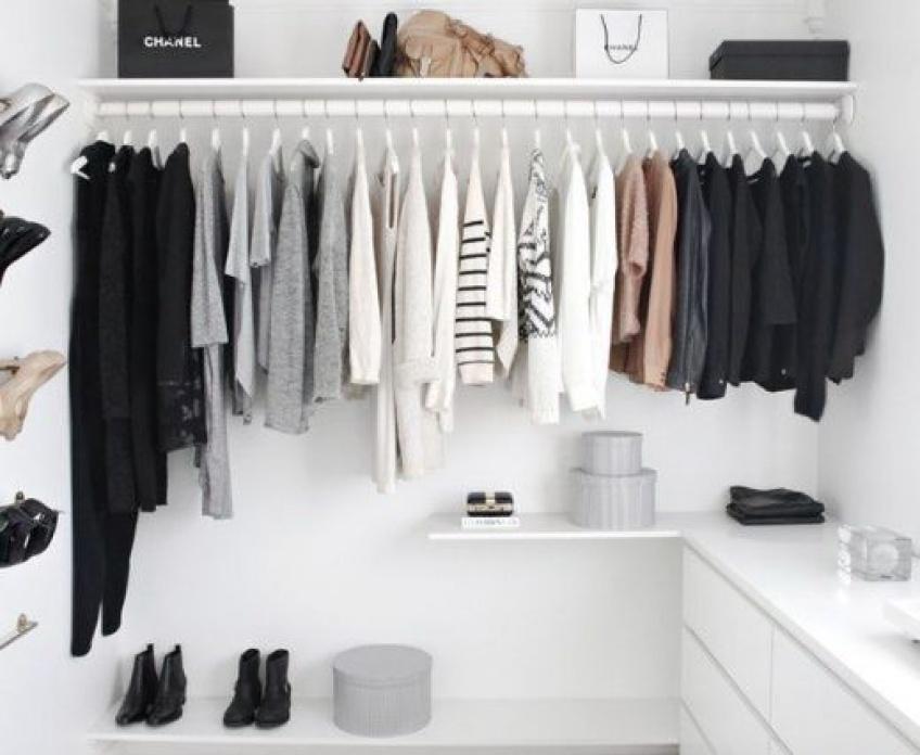 Spécial minimalistes : 5 étapes pour apprendre à trier son dressing et ne garder que l'essentiel !