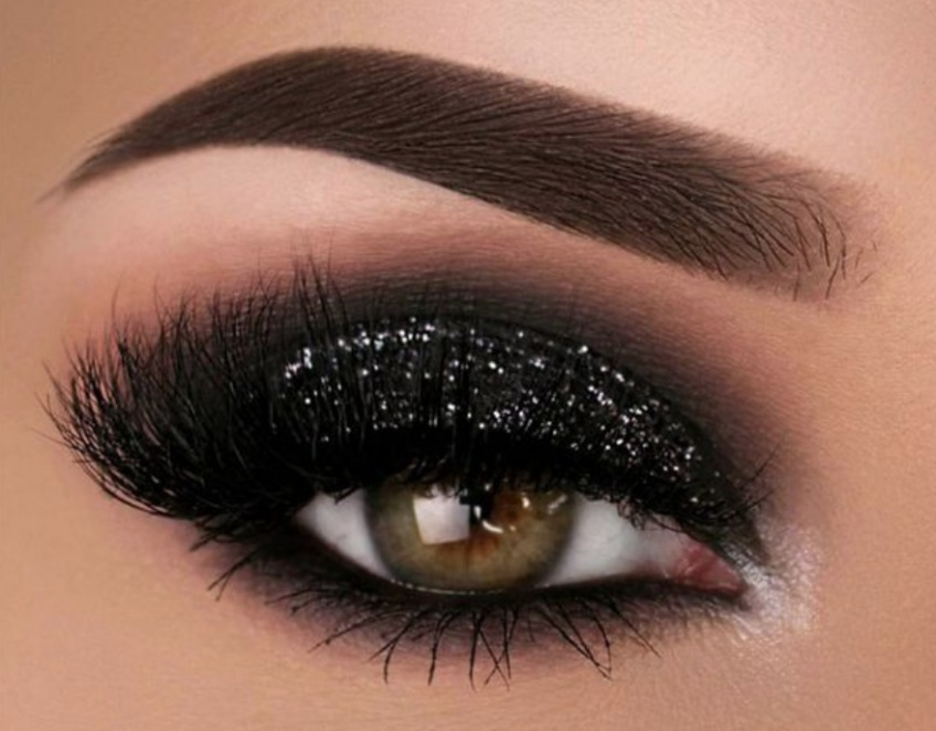 20 sublimes inspirations de smoky-eyes ultra-black à copier