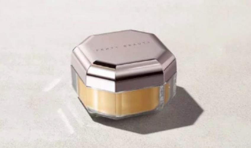 La nouvelle poudre de Fenty Beauty rendra votre teint aussi lisse et radieux qu'un filtre Insta' !