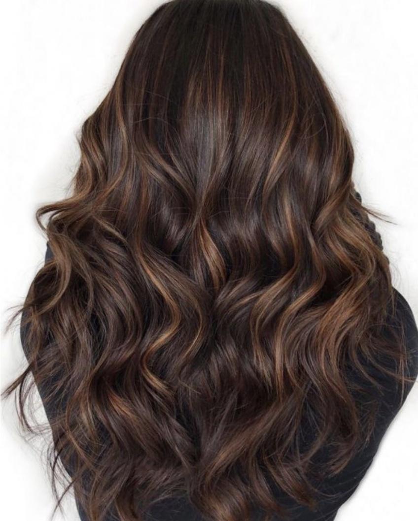 Negative Space Hair : la coloration ultra-tendance de l'année !
