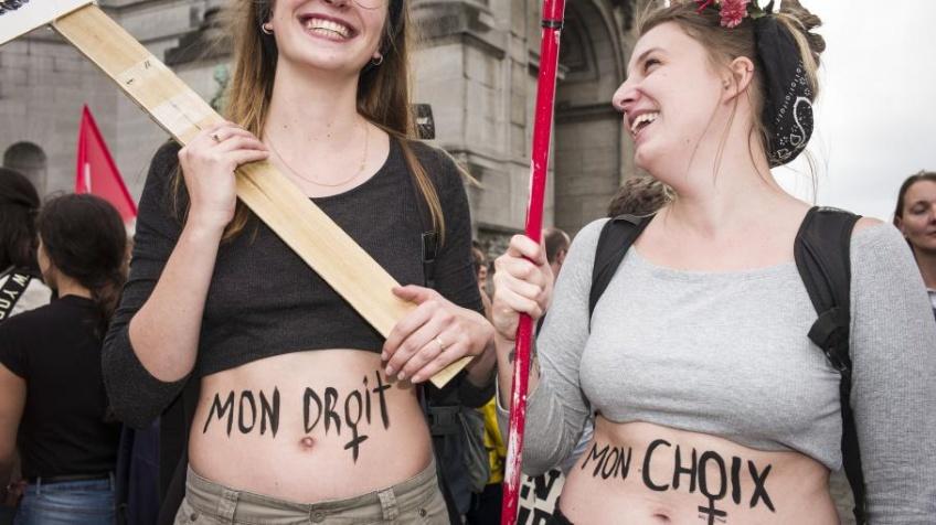 En Europe, les droits des femmes liés à la contraception et à l'IVG n'avancent pas !