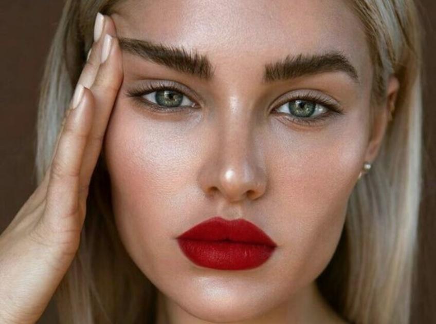 20 situations dans lesquelles toutes les filles qui ne se maquillent pas se reconnaîtront !
