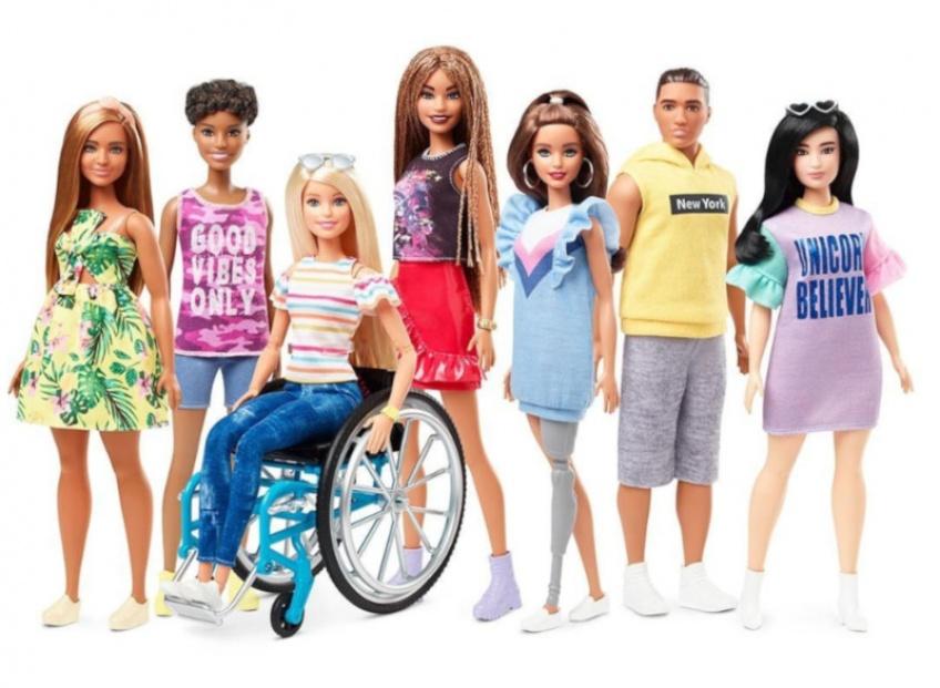 La nouvelle Barbie est en chaise roulante !