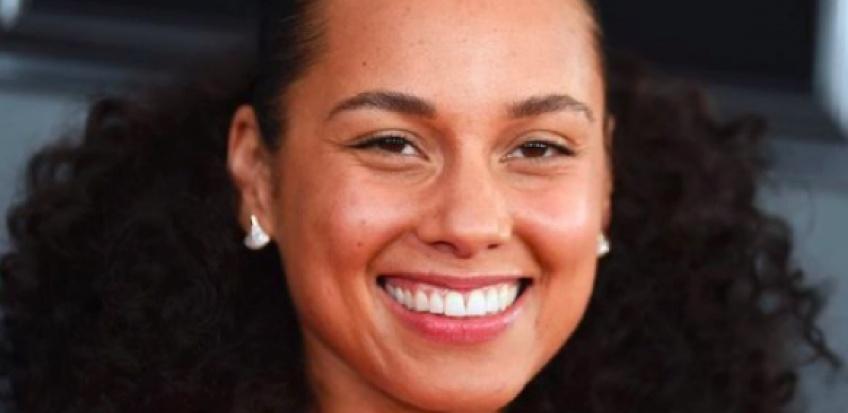Alicia Keys continue d'oser le no-makeup aux Grammy Awards !