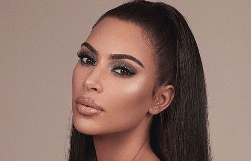 Kim Kardashian dévoile son astuce pour ne pas avoir de rides sur le visage !