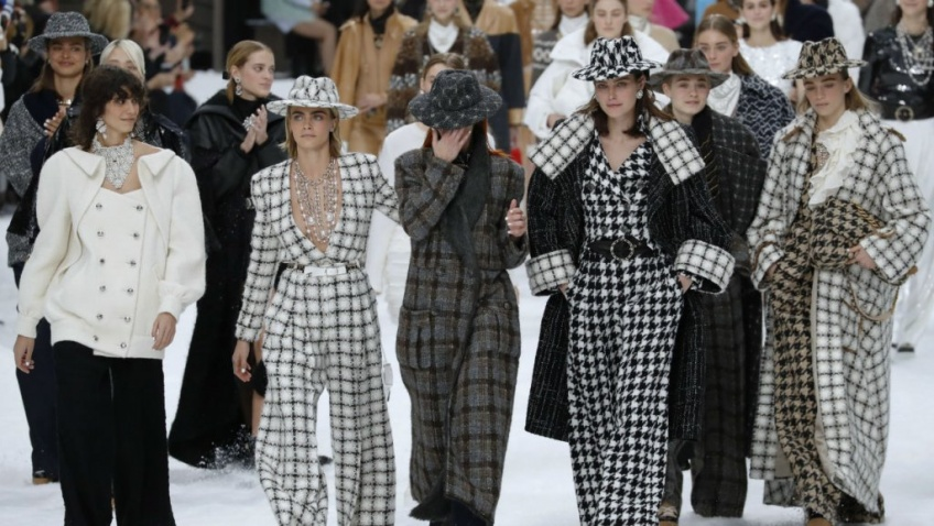 Karl Lagerfeld défilé chanel adieux hommage