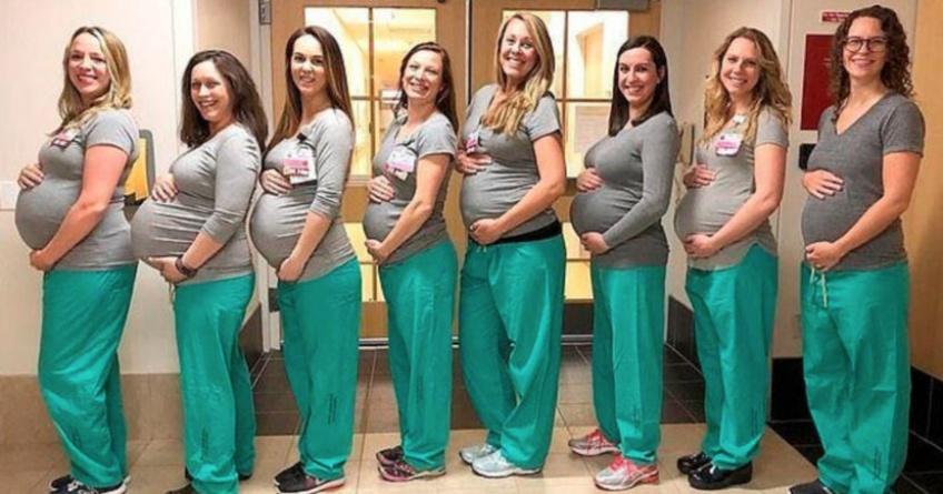 9 infirmières travaillant dans la même salle d'accouchement, enceintes en même temps !