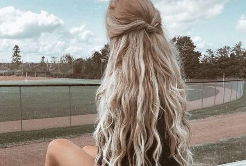 Les incroyables astuces pour que vos cheveux poussent à vue d'oeil !
