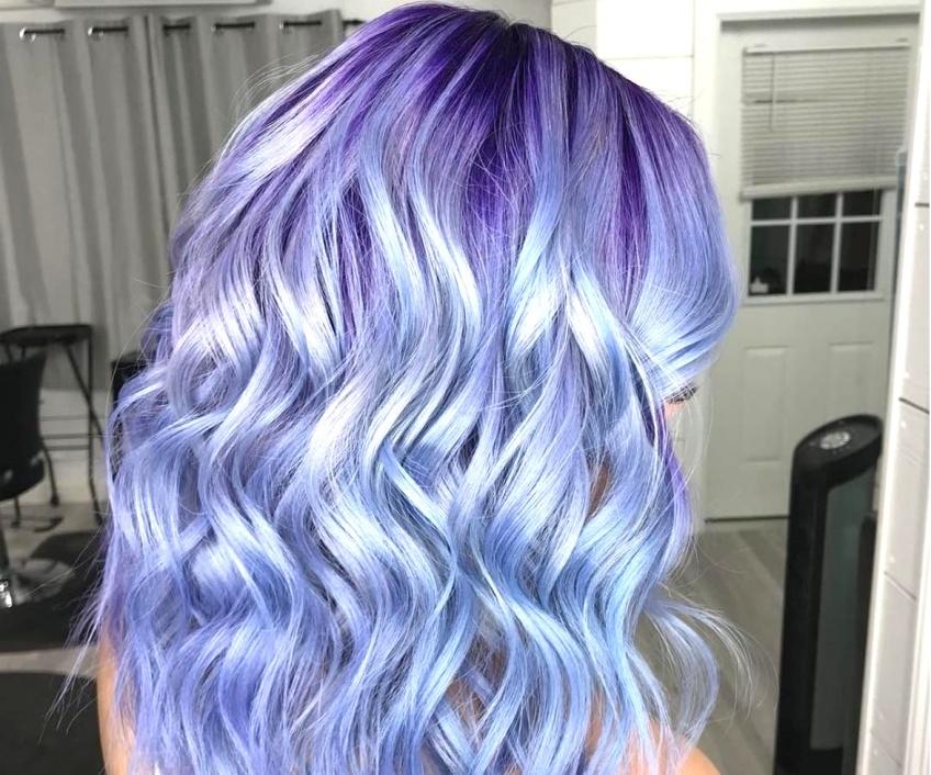 Le Periwinkle Hair se veut la coloration la plus désirée des réseaux sociaux !
