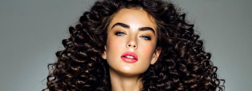 Boucles : le mode d'emploi pour une chevelure sublime !