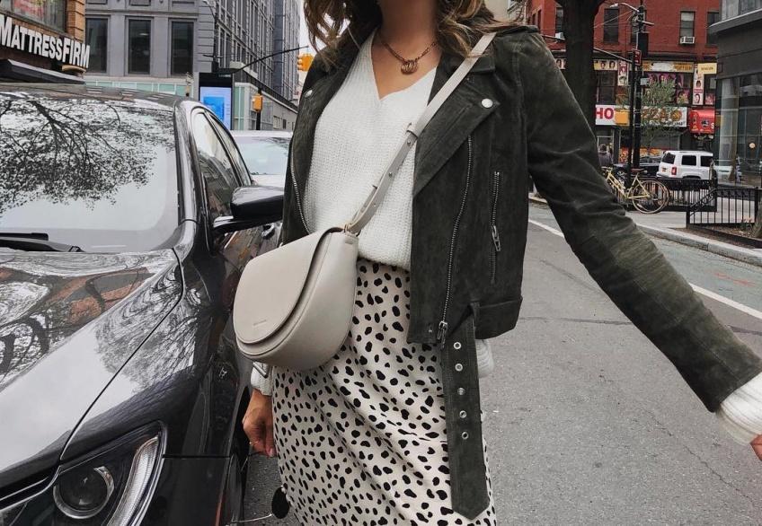 5 looks sublimes repérés sur Instagram pour être magnifique avec une jupe midi ce printemps