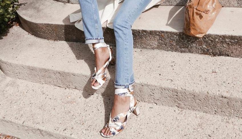 Les looks canon repérés sur Instagram à adopter pour porter les sandales à talons à la perfection