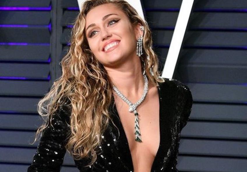 De l'adolescente Disney à la femme chic, Miley Cyrus a beaucoup changé !