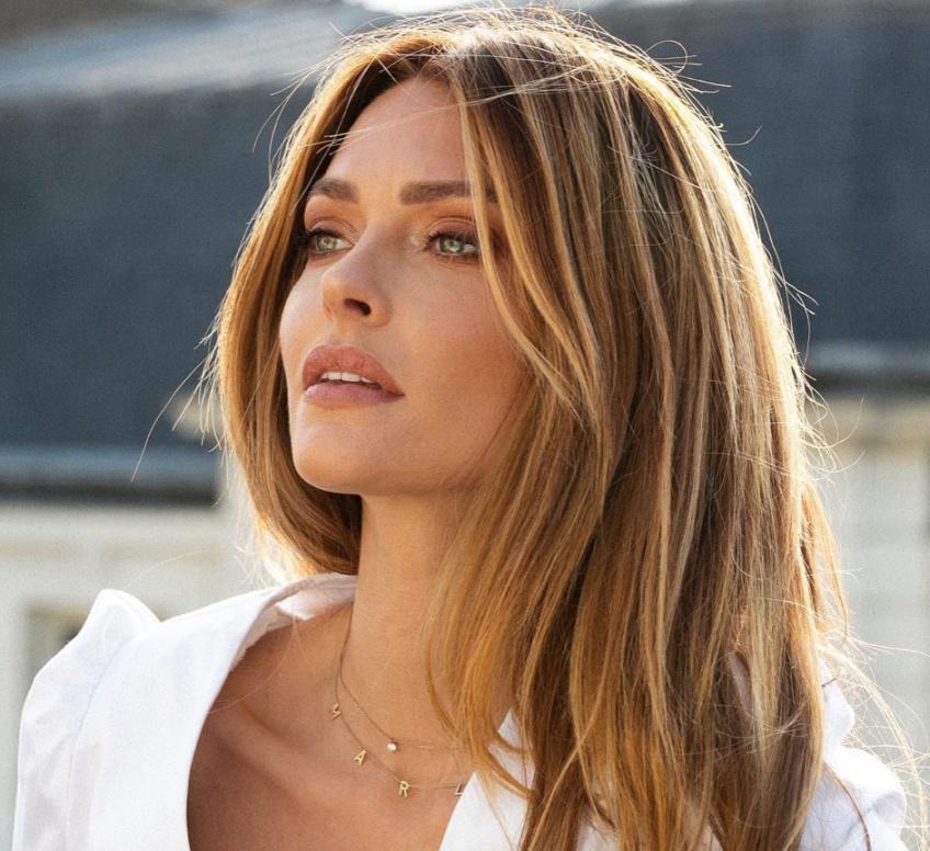Caroline Receveur : sa superbe évolution beauté !