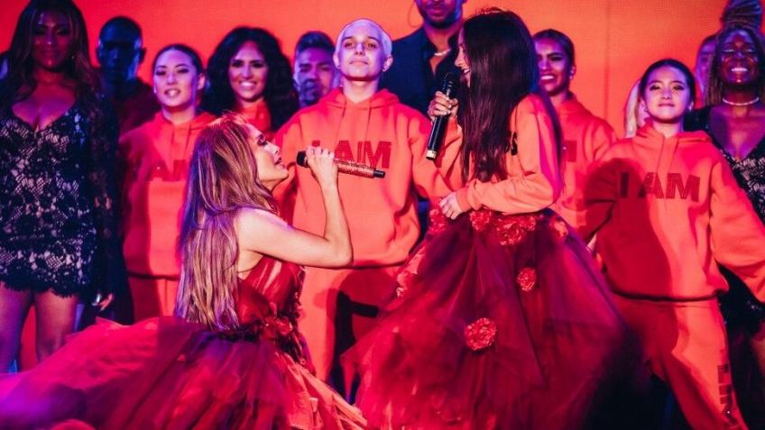 Jennifer Lopez en plein concert invite sa fille de 11 ans à la rejoindre sur scène pour un duo spectaculaire