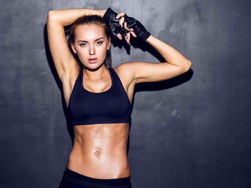 10 bonnes raisons de faire du sport chez soi plutôt qu'en salle de sport