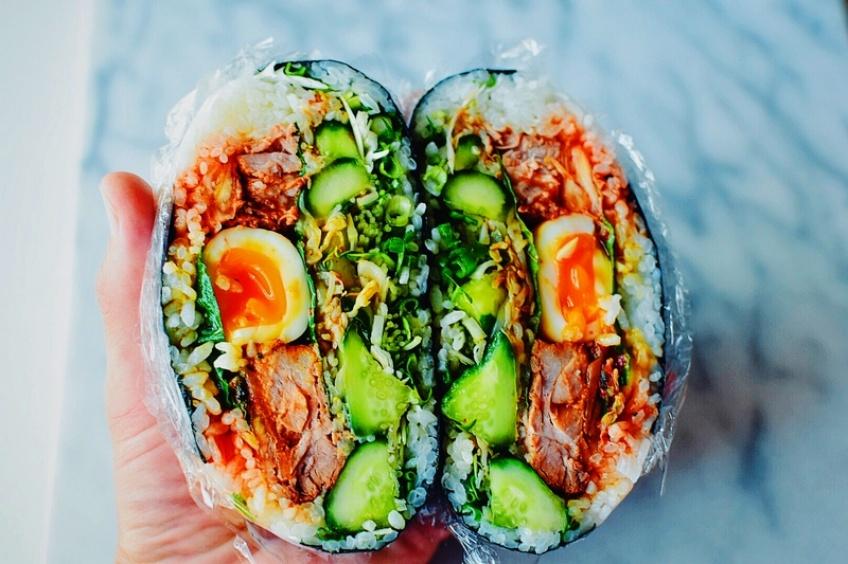 5 façons de fondre pour le 'onigirazu', ce sandwich nippon à consommer sans modération !