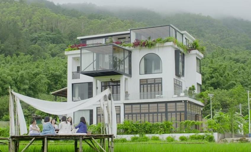 Des amies ont construit une superbe villa pour vivre ensemble une fois retraitées