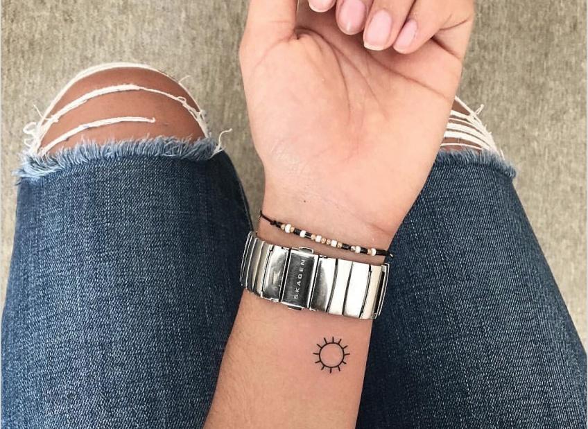 Les plus belles idées de tatouages pour sublimer nos jolis poignets !