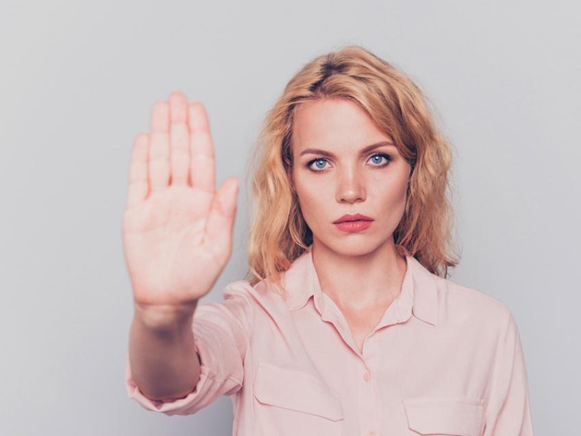 Le 3919 « Violences Femmes info » ouvert aux femmes victimes de violences