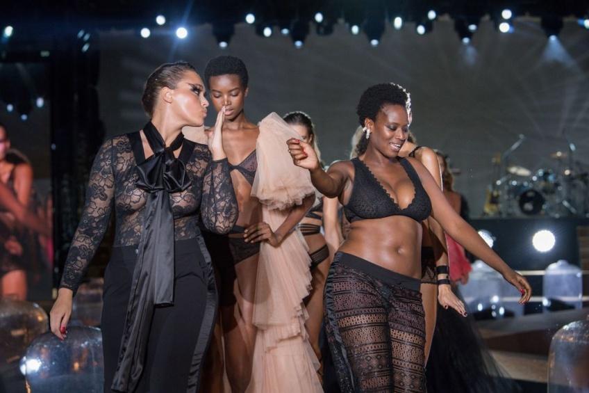 Etam a célébré la diversité et le body positivisme lors de son défilé !