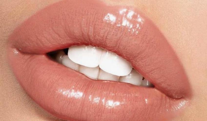 Lip Glue Challenge, ou le défi dangereux qui inquiète fortement la toile !