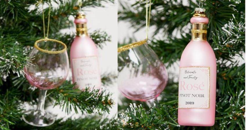 boule de sapin de Noël bouteille de rosé et verre