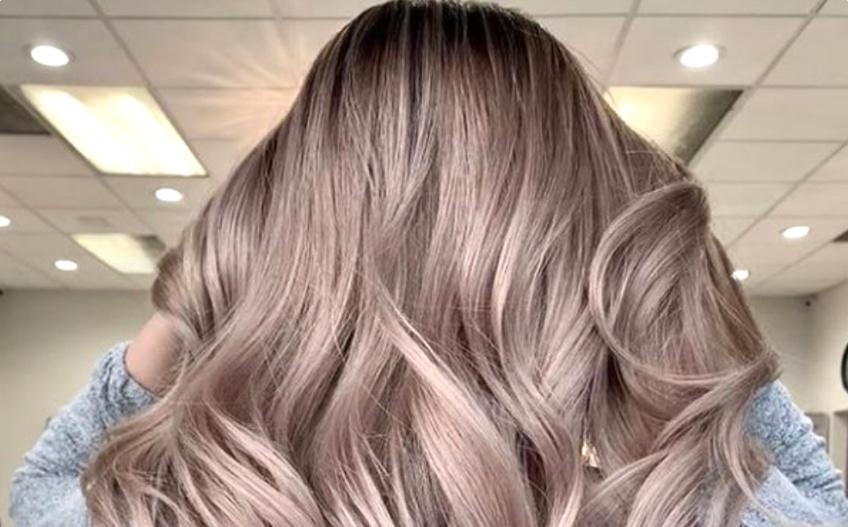 Blond Cacao : succombez à cette nouvelle coloration pour la saison !