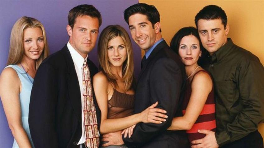 Jennifer Aniston dévoile que les acteurs de Friends travaillent bien sur un projet secret !