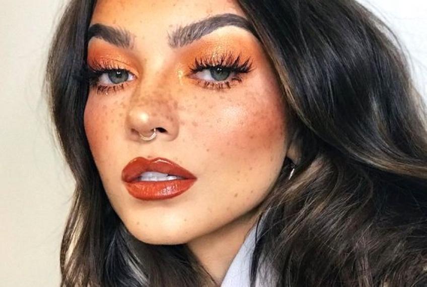 Le maquillage monochrome : la tendance de retour en 2020 !