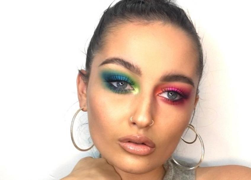 mismatched eyeshadow tendance