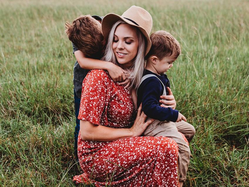 Une mère au foyer réclame un salaire pour ce métier à plein temps