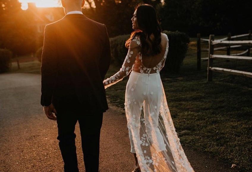 Cette combinaison de mariée fait le buzz sur les réseaux sociaux