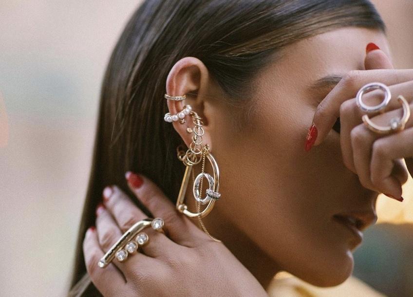 Les boucles d'oreilles ou l'accessoire indispensable