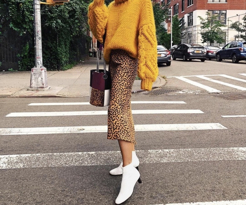 Les looks repérés sur Instagram pour porter la jupe midi avec style