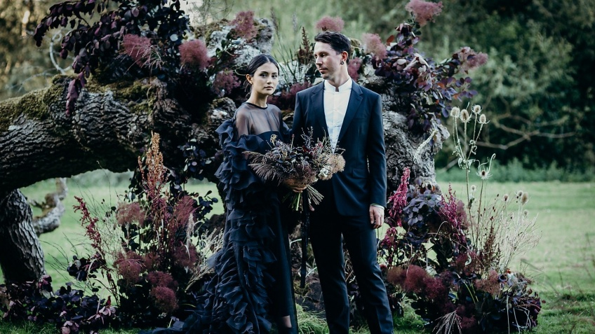 Cette mariée porte du noir pour son mariage