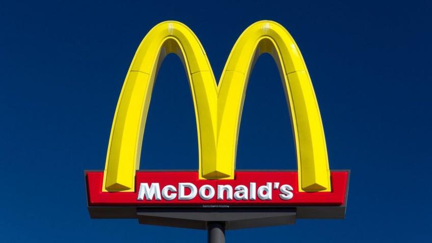 Des restaurants McDonald's rouvrent leurs portes en France, au grand désespoir des salariés