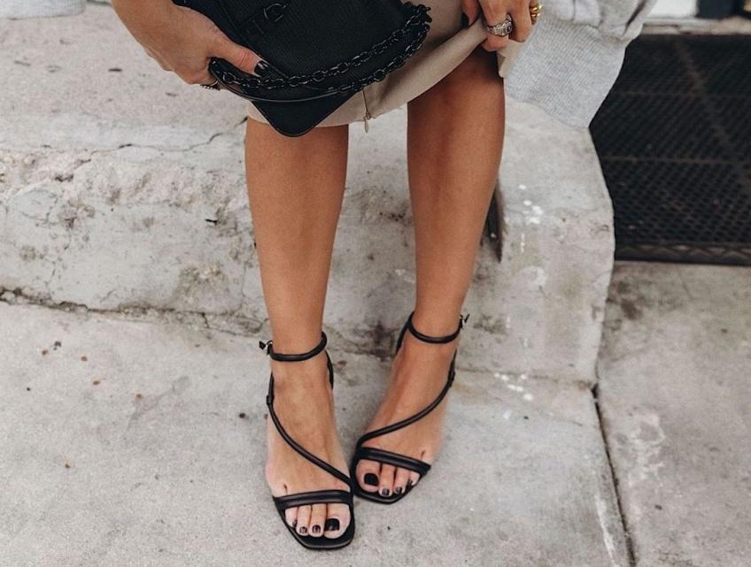 #Shoesday : Les sandales plates qui vont sublimer nos gambettes tout l'été
