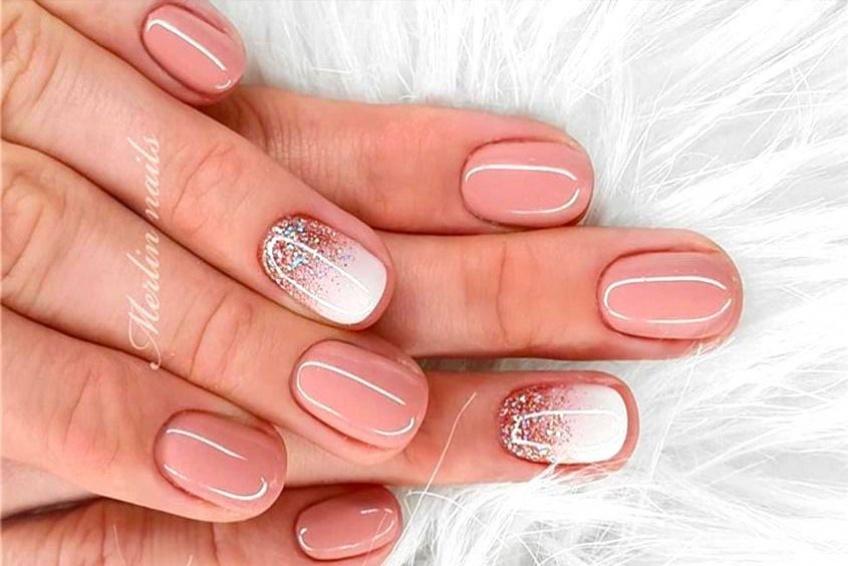 Les ongles courts mis en valeur avec l'accent nail !