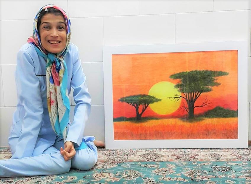 Malgré la maladie qui la paralyse, cette jeune tunisienne crée des œuvres d'art !