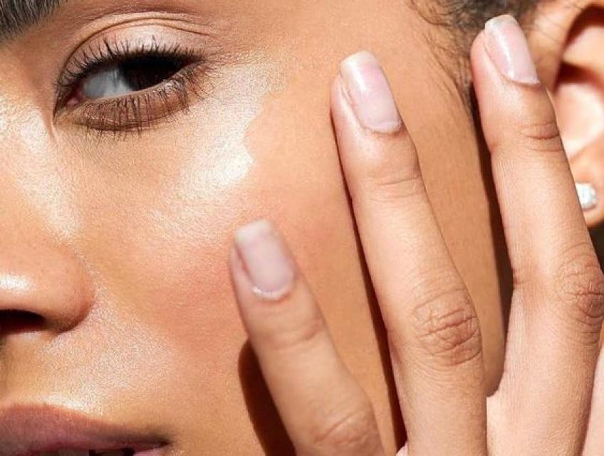 Tout ce que vous devez savoir sur le Face Yoga pour avoir une belle peau !