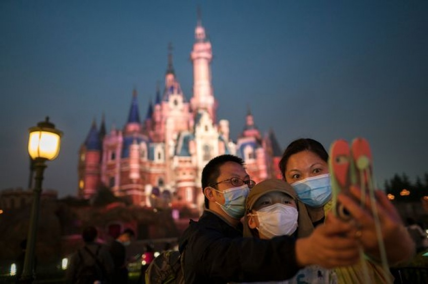 Les photos prises à la réouverture de Disneyland à Shanghai, visite d'un parc d'attractions post-confinement