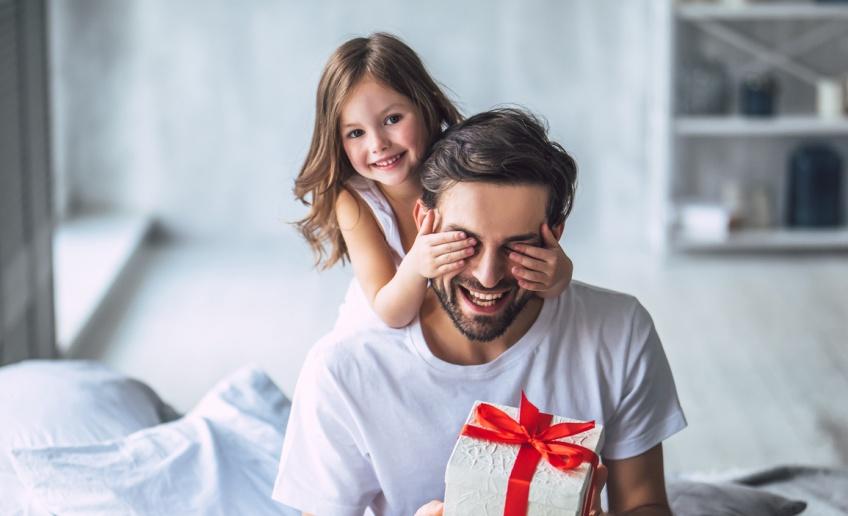 On offre quoi à son papa pour la fête des Pères ?