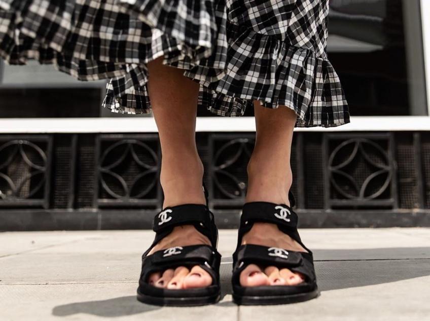 #Shoesday : les ugly sandales, ces vilaines it-shoes qui mettent la fashion sphère à leurs pieds
