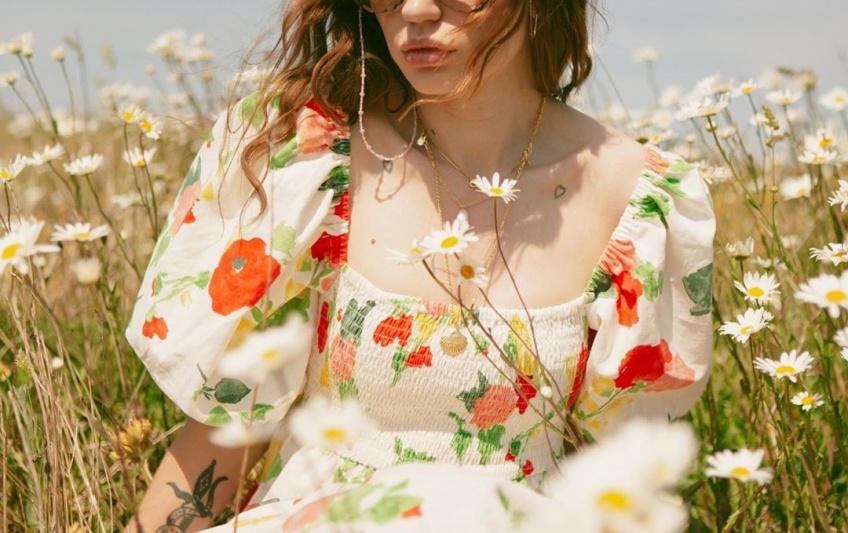 Tendance : Cette robe signée Sézane est la plus prisée pour l'été !