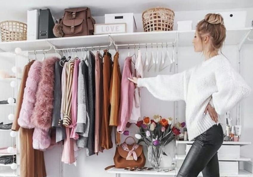 Déco : 5 astuces pour faire du tri dans son dressing pour préparer sa rentrée du style !
